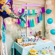 Decoración para cumpleaños, fiesta de sirenas #ideasfiestas #ideasfiestasinfantiles #ideasfiestasdecumpleaños #decoracionfiestas #decoracionfiestasinfantiles #fiestastematicas #fiestastematicasinfantiles #ideasfiestasirenas #kitimprimible #kitdefiesta Cute Baby Shower Ideas, Baby Girl Shower Themes, Girl Themes, Mermaid Birthday, 3rd Birthday, Birthday Parties, Ideas Bautizo, Adoption Baby Shower, Baby Shower Tea