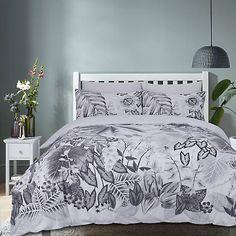 Botanical Tropic Duvet Set Bed Duvet Covers, Duvet Sets, Duvet Cover Sets, Grey Bedroom Decor, Bedroom Inspo, Green Velvet Sofa, Green Bedding, House Colors, Pillow Cases