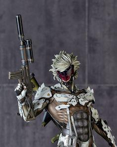 Metal Gear Solid V: Raiden White Armor ~Jamais Vu~ 1/6 Scale Figure (Ground Zero) (SDCC15) - AnimePoko.com