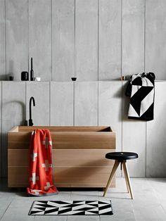 Badezimmer Gestalten Teppich Schwarz Weiß Badewanne