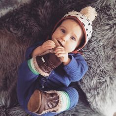 baby bonnet  . . #prettylittlething #love #simplejoys #littlemomentsofmylife #flashesofdelight #darlingweekend #thatsdarling #abmlifeissweet #babystyle #momlife #babylove #lovelife #livewell #littlemoments