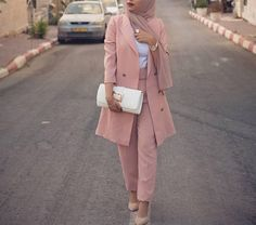 Yes or No? Hijab Chic, Modest Fashion Hijab, Modern Hijab Fashion, Modesty Fashion, Casual Hijab Outfit, Suit Fashion, Fashion Outfits, Hijab Office, Office Outfits