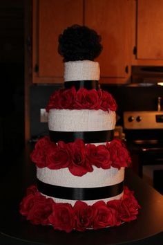Wedding Towel Cake (make a cake town in the style of the brides cake) Wedding Towel Cakes, Wedding Cakes, Dish Towel Cakes, Craft Gifts, Diy Gifts, Towel Origami, Brides Cake, Cake Board, Specialty Cakes