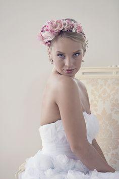 Haarschmuck & Kopfputz - Rosa Blumenkrone, Haarkranz, Hochzeit Tiara - ein Designerstück von maijasweddingbliss bei DaWanda