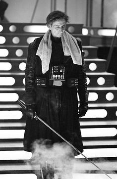 Behind the scenes: Bob Anderson, expert swordsman, fight choreographer, Vader stunt double. A legend. #Star Wars #Dark Vador