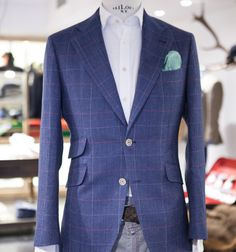 Windowpane and 100% linen…paired with a pair of jeans… http://landerurquijo.tumblr.com/post/140334404310