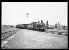 Buckland, John L 1915-1989. [Locomotive 3361 shunting at Taralga, New South Wales, 13 November 1946] [picture]