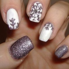 Snowflake Manicure - 20 Manicure Ideas to Try This Winter When Everything Else is Boring - Photos