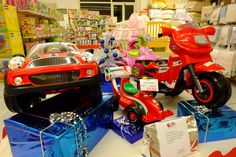 Punto vendita #Oristano #iobimbosardegna #natale #negozi #allestimento #giochi #giocattoli