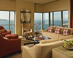 Four Seasons Seattle. Presidential Suite. Conundrum Cocktail Table.