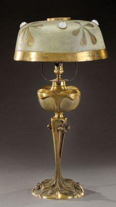 Georges Leleu - Art Nouveau table lamp with chestnut motif, signed, and dated 60 cm H. Lampe Art Deco, Art Deco Lamps, Art Deco Lighting, Antique Lighting, Decoration, Art Decor, Jugendstil Design, Victorian Lamps, Art Nouveau Furniture