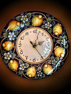 Lemon clock from Deruta