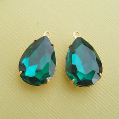2pcsVintage Jewels Emerald Crystal Pear 1 Loop Charm by anchar, $4.50