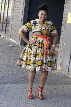 Brown and red African wear African Fashion Skirts, Ghanaian Fashion, African Dresses For Women, African Print Dresses, African Print Fashion, Africa Fashion, African Attire, African Wear, African Women