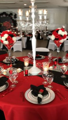 Red Centerpiece Wedding, Red Centerpieces, Red Wedding Decorations, Sweet 16 Decorations, Dinner Party Decorations, Quince Decorations, Red Quinceanera Dresses, Quinceanera Decorations, Quinceanera Party