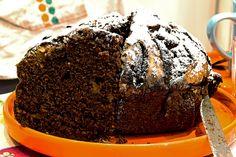 Nuova vita, nuova torta: torta cacao e mele senza yogurt, la prima fetta.