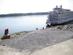 Securing the Queen of Mississippi, by Cape Girardeau Convention and Visitors Bureau, via Flickr