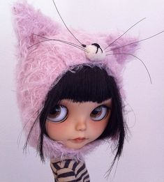 kitty helmet