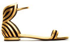 Shopping Mode Les 30 sandales de l'été 2015 : Sandales dorées et noires Stella Luna http://www.vogue.fr/mode/shopping/diaporama/les-30-sandales-mode-de-lete-2015/21052/carrousel