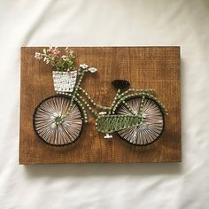 Green bicycle string art, bike string art, string art decor This bicycle string is inches. This string art is perfect for hanging on a wall or leaning on a shelf. This is a great piece for any ro Hilograma Ideas, Room Ideas, Craft Ideas, Bicycle String Art, Diy 2019, Nail String Art, String Crafts, Resin Crafts, Wood Crafts