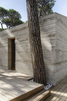 Italian Summer House Covered in Travertine by sundaymorning and Massimo Fiorido Associati in architecture Category: Residential Architecture, Contemporary Architecture, Architecture Details, Interior Architecture, Interior And Exterior, Installation Architecture, Exterior Siding, Building Architecture, Rammed Earth Homes