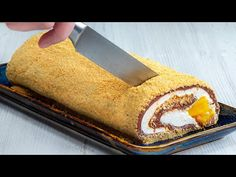 Rapid si fara coacere, pregatesti cel mai fin si cremos desert – Rulada cu ananas - YouTube Baked Pineapple, Cake Toppings, Cornbread, Biscuits, Food And Drink, Sugar, Meals, Baking, Ethnic Recipes