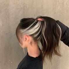 Hair Color Streaks, Hair Dye Colors, Hair Highlights, Hair Colour Ideas, Emo Hair Color, Purple Streaks, Hair Color Underneath, Highlights Underneath Hair, Under Hair Color