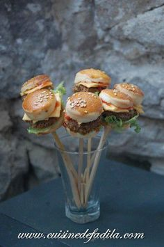 Mini Burger Pops..i can make them for desi and call em krabby patties!