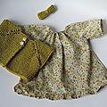 Une tenue pour les poupées des filles avec une pelote de laine lavable Citronille au coloris