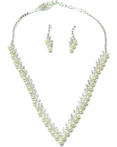 Western Jewelry Store: Gold Necklace, Womens Necklace, Pearls Necklace and Earrings Set- Missagi London