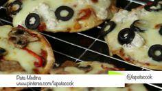 Unas ricas mini-pizzas hechas con pan pita. #PataCook