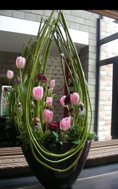 49 Ideas Flowers Design Arrangement Ikebana For 2019 Arrangements Ikebana, Spring Flower Arrangements, Spring Flowers, Floral Arrangements, Purple Flowers, Big Flowers, Tropical Flowers, Pink Purple, Deco Floral