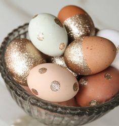 Совсем скоро наступит чудесный праздник Пасхи, праздник света, добра и мира! Главный пасхальный символ — крашенные яйца. Несмотря на то что для яиц, которые мы с удовольствием съедим за праздничным…