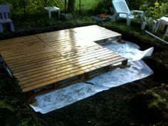 Terrasse en palettes et bois de coffrages palette - Terrasse avec palettes bois ...