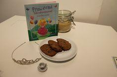 Pečenie s deťmi: Domáce banánové cookies - VoSveteZien. Cookies, Desserts, Food, Crack Crackers, Tailgate Desserts, Deserts, Biscuits, Essen, Postres