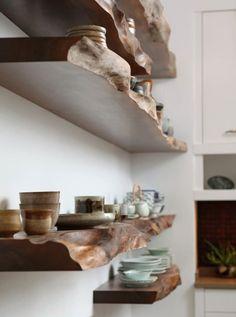 Diy Wood Shelves, Floating Shelves, Rustic Wood Shelving, Wood Storage, Home Decor Kitchen, Diy Home Decor, Kitchen Plants, Diy Kitchen, Natural Wood Decor