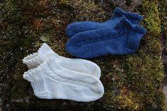 Nilkkasukat kesäksi – ohje Mitten Gloves, Knitted Hats, Diy And Crafts, Baby, Knitting, Winter, Inspiration, Fashion, Tejido