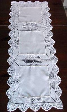 Bellissima Corsia Lavorata A Mano Con La - Diy Crafts Crochet Bedspread Pattern, Crochet Motifs, Crochet Borders, Crochet Squares, Filet Crochet, Crochet Patterns, Lace Doilies, Crochet Doilies, Crochet Flowers