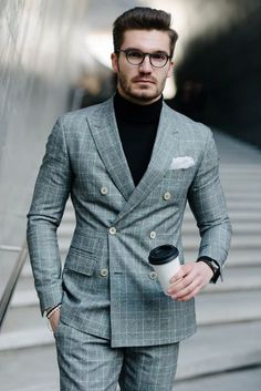 The suit's color suits him. The Suits, Suit And Tie, Mens Suits, Suit For Men, Mens Check Suits, Grey Suit Men, Mens Fashion Blazer, Mens Fashion Blog, Suit Fashion