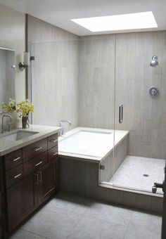 Inspiring Small Bathroom Remodel Designs Ideas on a Budget 2018 – Diy Badezimmer Diy Bathroom Remodel, Bathroom Renos, Bathroom Layout, Bath Remodel, Bathroom Small, Simple Bathroom, Bathroom Mirrors, Bathroom Storage, Bathroom Cabinets