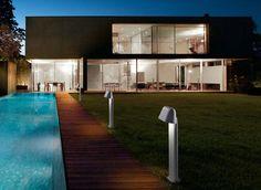 Cómo iluminar los alrededores de la piscina | Blog Faro Barcelona