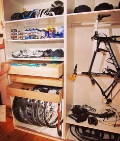 Cycling Storage-- All of your cycling gear in one convenient place Road Cycling, Cycling Bikes, Cycling Clothes, Cycling Equipment, Pimp Your Bike, Velo Design, Range Velo, Bike Room, Bicycle Storage