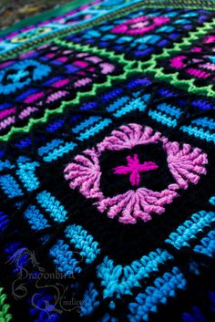 Sublime Crochet for Absolute Beginners Ideas. Capital Crochet for Absolute Beginners Ideas. Crochet Quilt, Crochet Blocks, Crochet Squares, Crochet Yarn, Free Crochet, Crochet Afghans, Crochet Blankets, Granny Squares, Crochet Granny