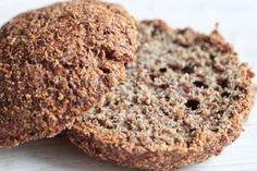 Veselé Borůvky: Mandlovo-lněné bezlepkové housky Psyllium, Banana Bread, Muffins, Low Carb, Cooking Recipes, Cookies, Baking, Breakfast, Food