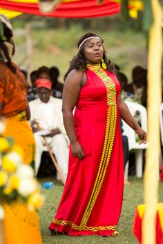 African Traditional Wedding Dress, Traditional Wedding Attire, Traditional Dresses, Kenyan Wedding, Funeral Ceremony, African Design, African Fashion Dresses, African Wear, African Diaspora