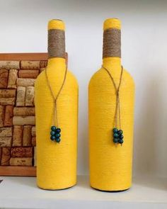 Resultado de imagem para garrafas decorativas com barbantes