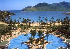 Hawaii Marriott Kauai Beach Club pool overlooking Kalapaki Bay