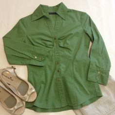 New York & Company stretch top  pretty top for fall! EUC 3/4 length sleeves. New York & Company Tops Button Down Shirts