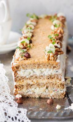 Waldorfin voileipäkakku | Maku Cake Sandwich, Sandwiches, Good Food, Yummy Food, Swedish Recipes, Savoury Cake, Food Design, Cake Cookies, Yummy Cakes
