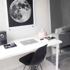 minimal workspace.